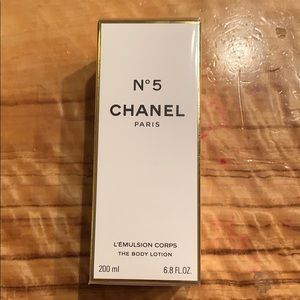Chanel No 5 L'Emulsion Corps  THE BODY LOTION